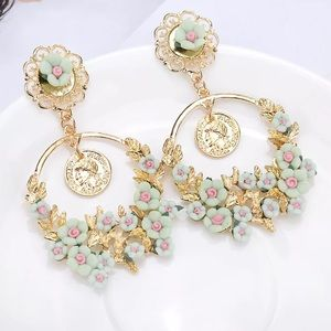 Jewelry - Coming Soon !!! Gorgeous green fashion earrings